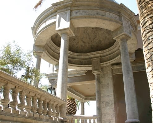 Outdoor design with columns