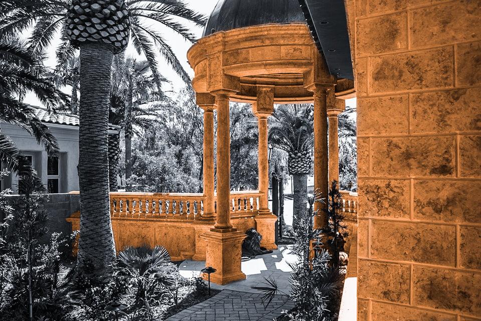 Outdoor columns