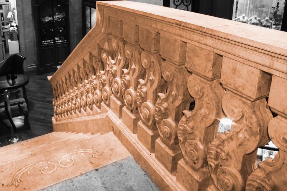 Restaurant staircases