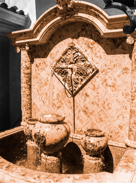 Rustic design wall fountain