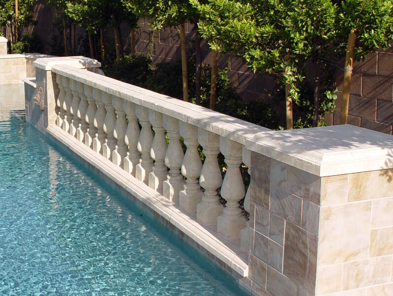 Top rail design by pool