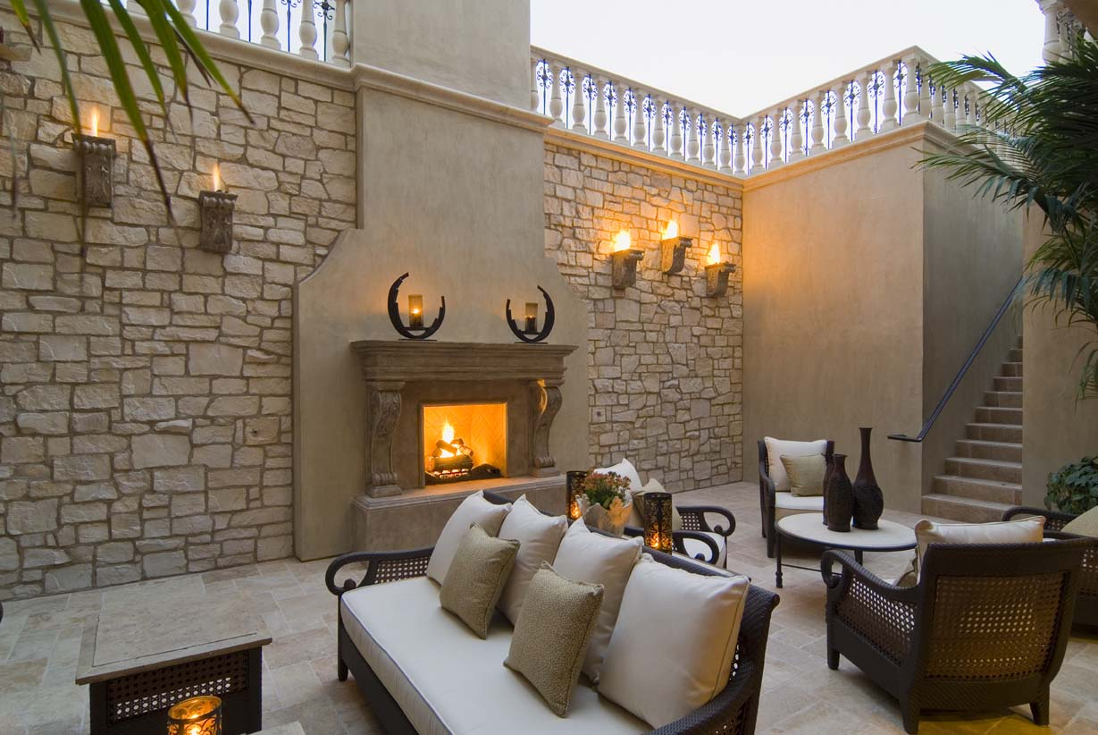 The Outdoor Fireplace Trend Heats Up Blog Realm Of Design