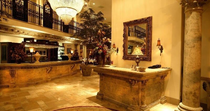 Restaurant entryway design