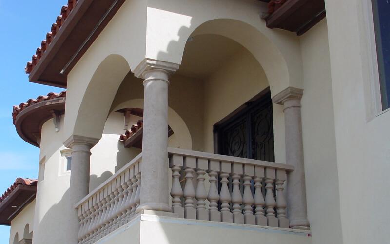balcony columns